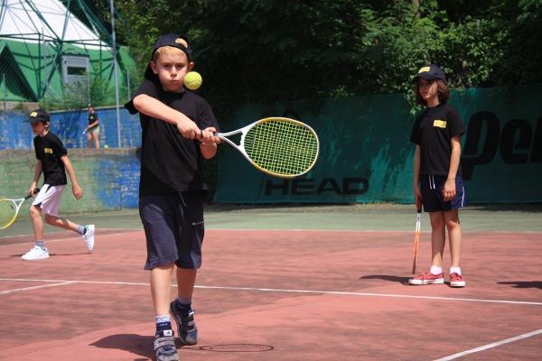 TENNIS CAMP LIZZANO per ragazzi e bambini