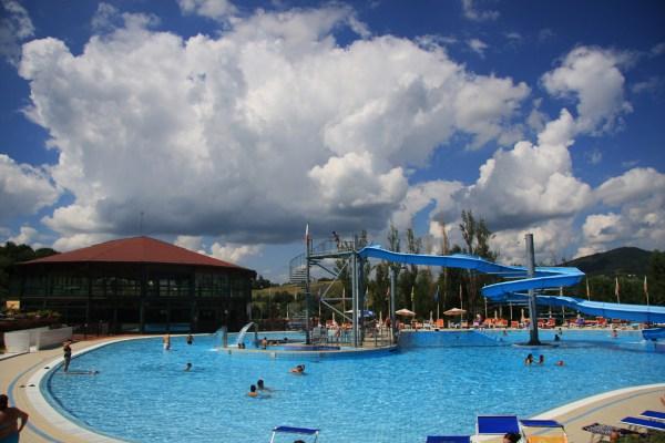 Attività acquatiche in piscina